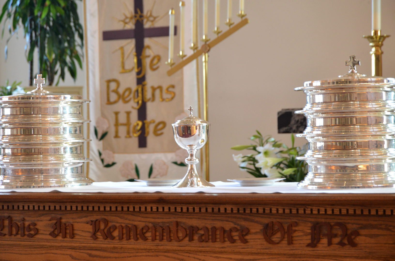 Contemporary Service with Communion